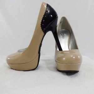 CANDIE'S Tan & Black High Heels New Without Tags